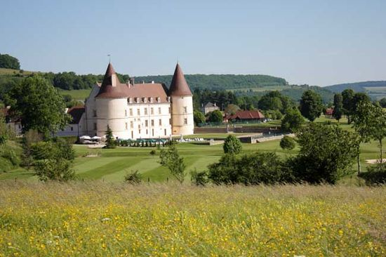 Burgundy chateau de chailly