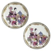 A PAIR OF CHINESE EXPORT FAMILLE-ROSE EGGSHELL SAUCER DISHES