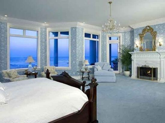 A bedroom in a Florida mansion