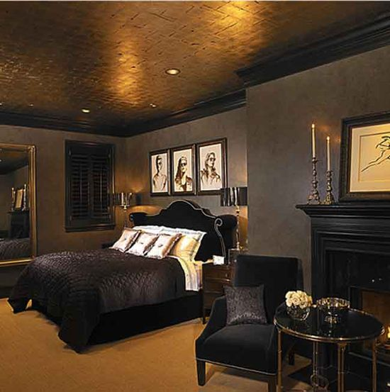 A bed room in a Sunset Bvd pied a terre