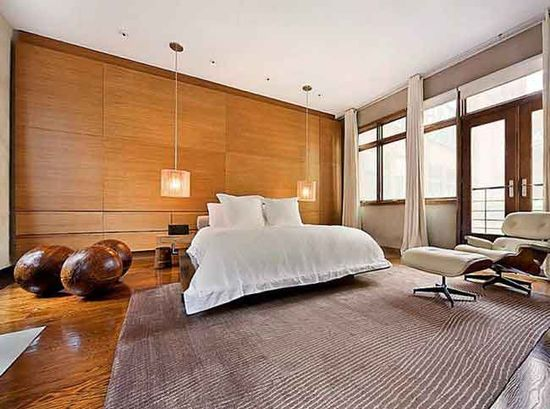 A contemporary bedroom