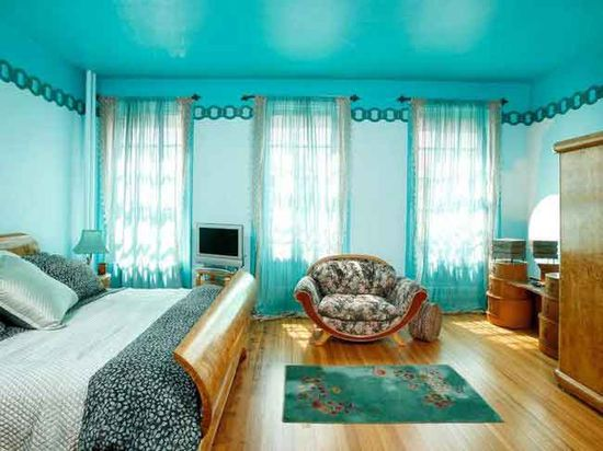 A turquoise bedroom