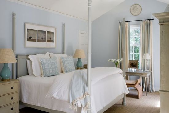 A Beach Hous in Light Blue and neutral Tones