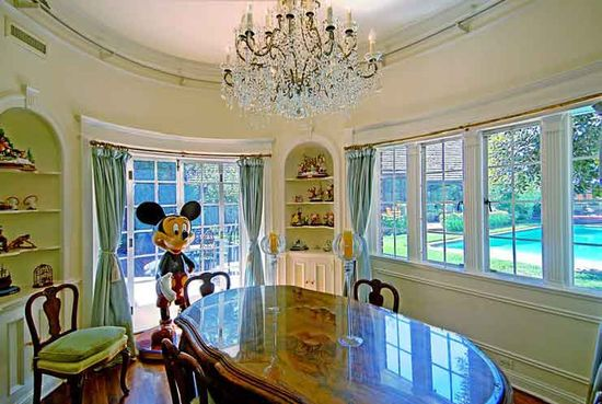A dining room in Hollywood