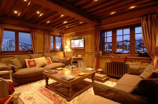 An all wood living room in the Alps
